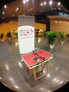 Voice + IP, Herauforderung Mini-Tischtennisplatte am Stand des Contact-Center-Network