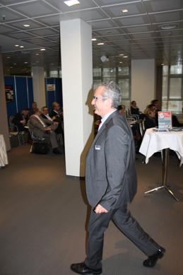 Andreas Klug, Vorstand ITyX AG auf dem Weg ins TeleTalk Demoforum